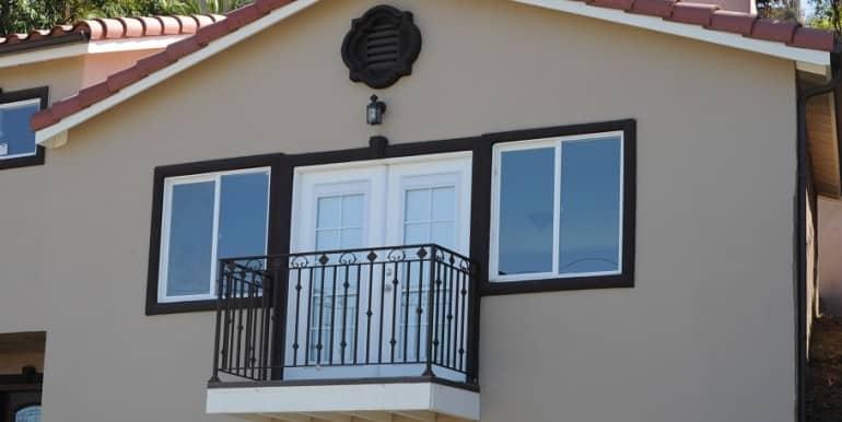 3810 Balcony
